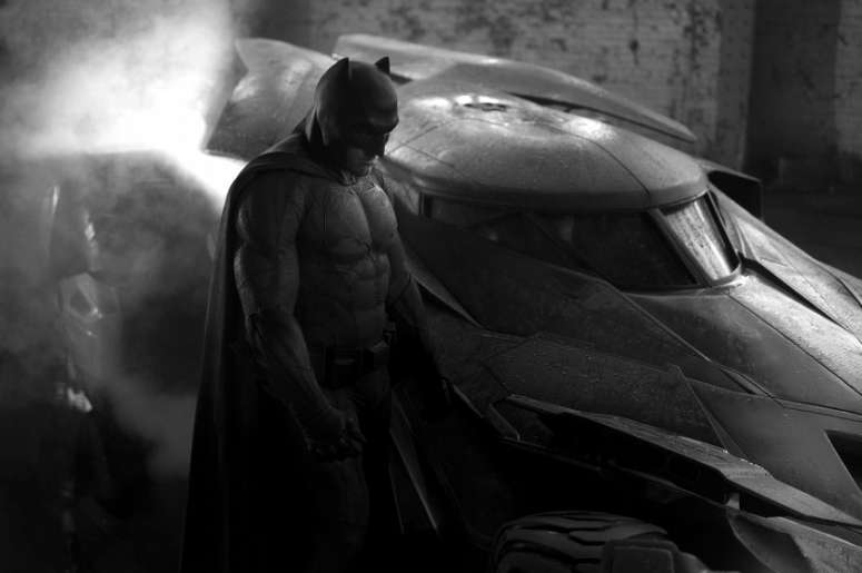 Ben Affleck's Batman mask and cowl revealed at SDCC