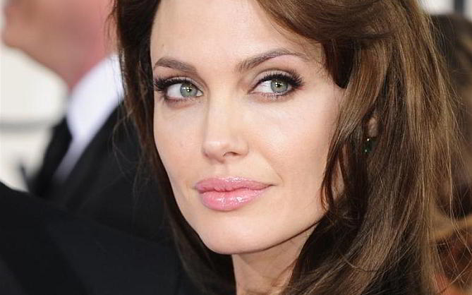 Angelina Jolie - www.filmfad.com