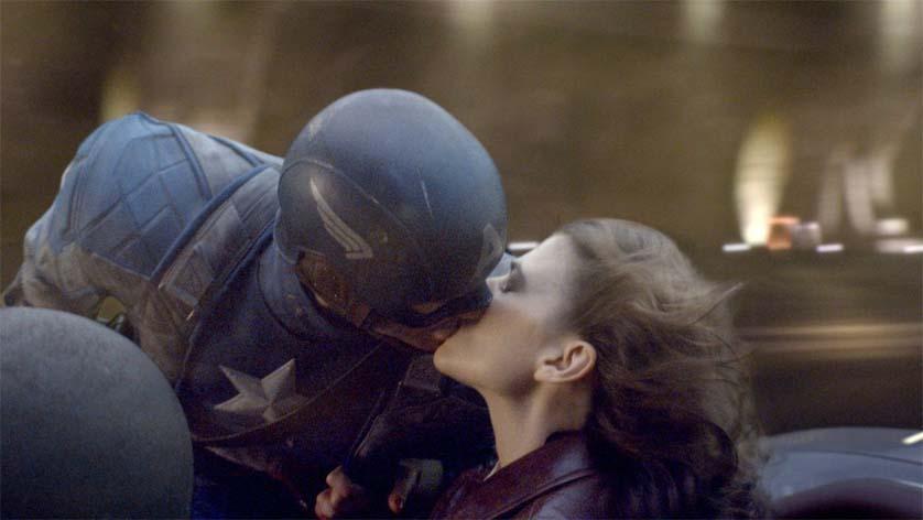 Captain America Peggy Carter kiss