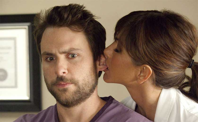 Jennifer-Aniston-Charlie-Day