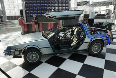 Back-to-the-Future-Delorean-NYCC