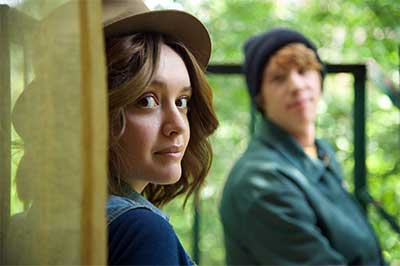 Me-And-Earl-And-The-Dying-Girl-Thomas-Mann-Olivia-Cooke-1