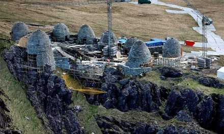 'Star Wars Episode VIII' Set Photos Reveal Jedi Temple
