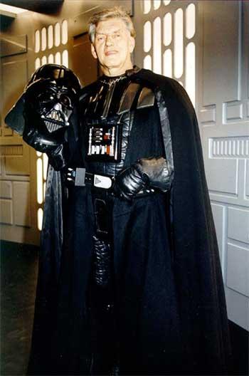 David-Prowse-Darth-Vader