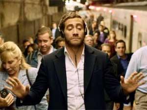 Demolition-Jake-Gyllenhaal-Headphones