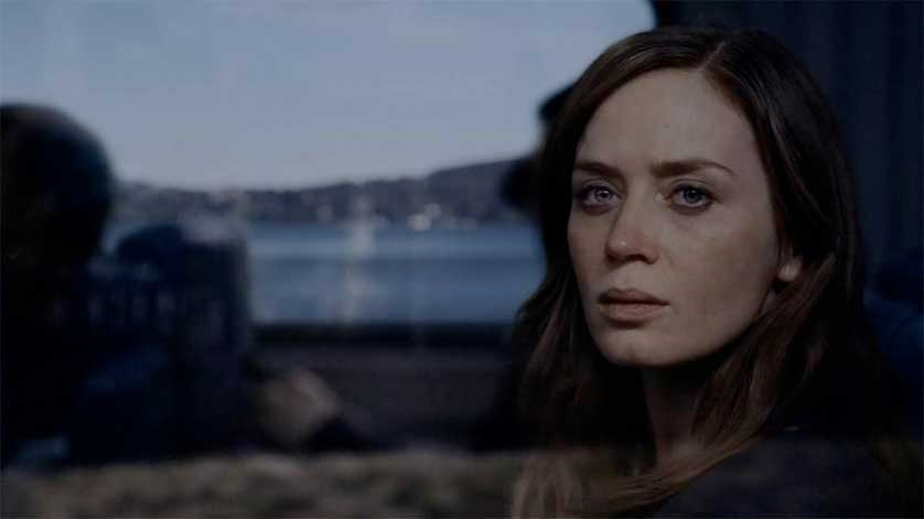 the-girl-on-the-train-emily-blunt-2