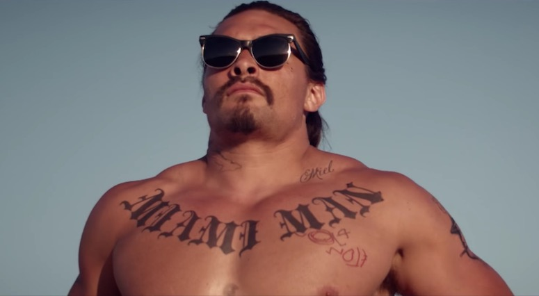 "Keanu Reeves & Jason Momoa Get Bloody Weird In ""The Bad Batch"" Trailer"