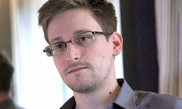 Joseph Gordon-Levitt to play Edward Snowden in Oliver Stone film