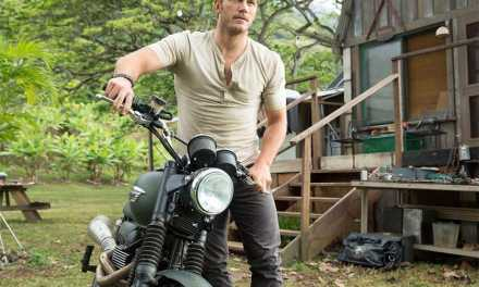 Jurassic World footage explains Chris Pratt taming raptors
