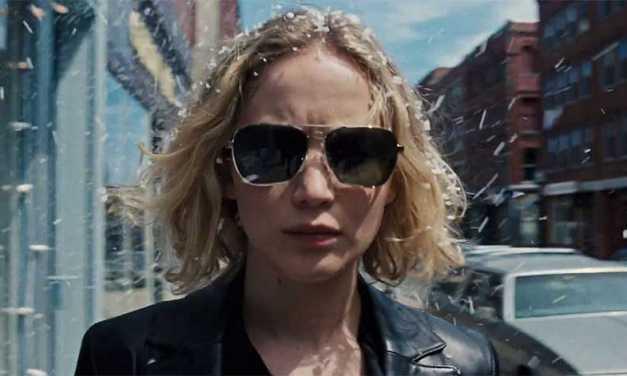 Jennifer Lawrence & Bradley Cooper Reunite in <em>Joy</em> Trailer