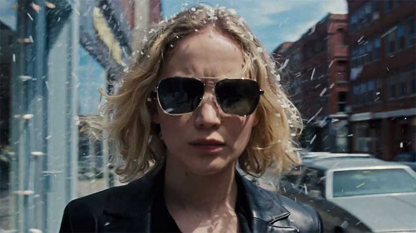 Jennifer Lawrence & Bradley Cooper Reunite in <em>Joy</em> Trailer