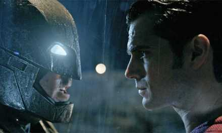 'Batman V Superman' New Standoff Teaser Emerges