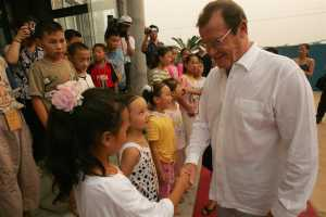roger-moore-unicef