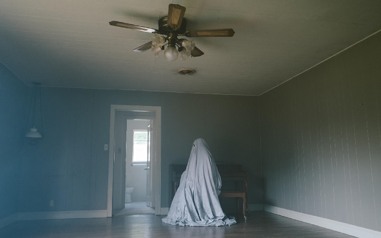 Review: 'A Ghost Story' Is A Slow But Insightful Existential Journey